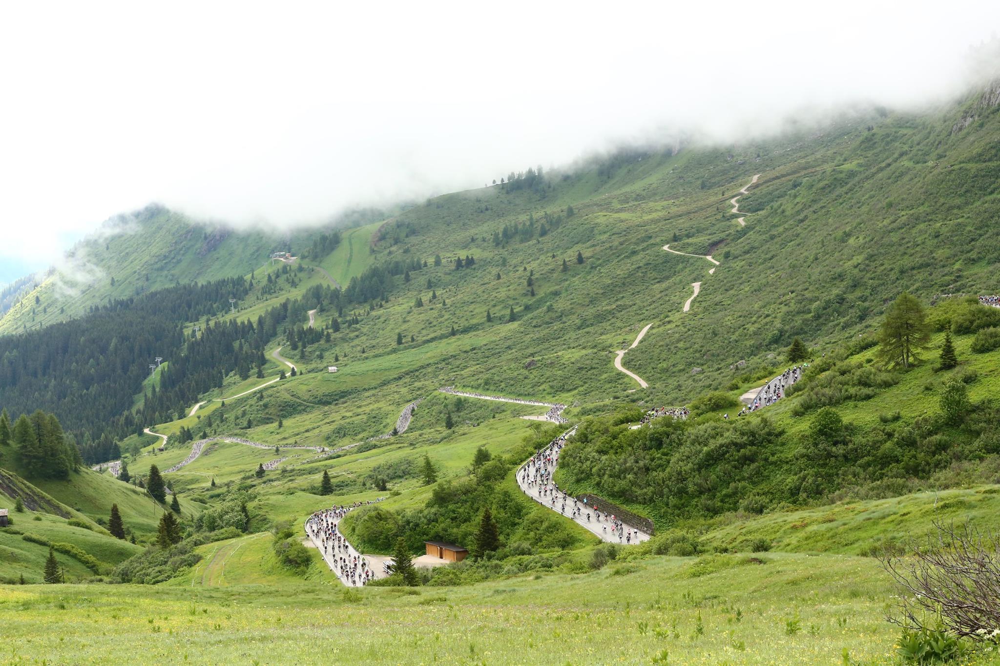 Cycling-in-Italy-Maratona-dles-Dolomites